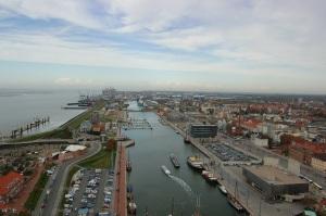 """Der """"Neue Hafen"""" mit Auswanderer Haus"""
